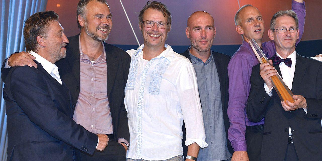 Om uppdrag utan granskning i SVT och Aftonbladet